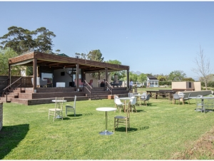 Solarium-Wild-Clover-Wedding-Venue-Stellenbosch-Pre-Drinks-Area